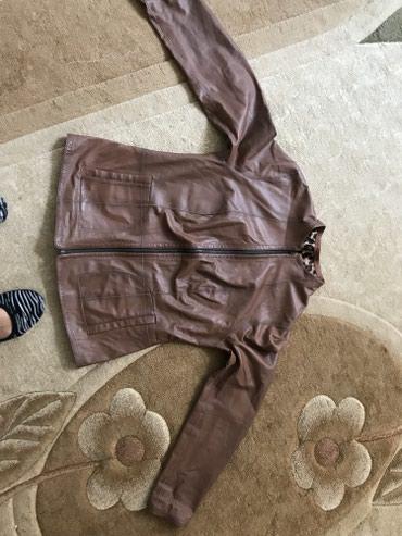 Стильная женская кожаная куртка . в Бишкек