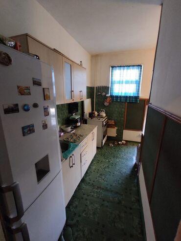 Продажа квартир - Лоджия застеклена - Бишкек: 105 серия, 4 комнаты, 81 кв. м Бронированные двери, Лифт, Кондиционер