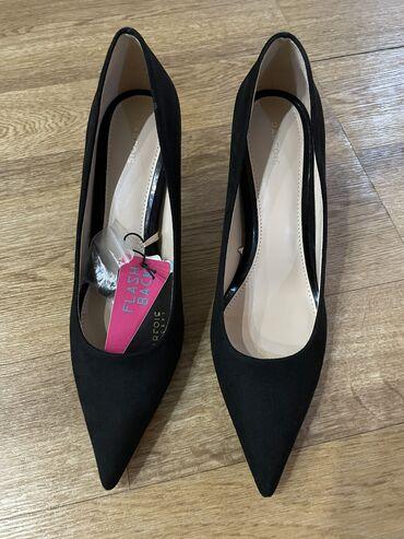 купи продай in Кыргызстан | MERCEDES-BENZ: Продаю туфли, натуральная замша, 7 см каблук, отличного качества. Прив