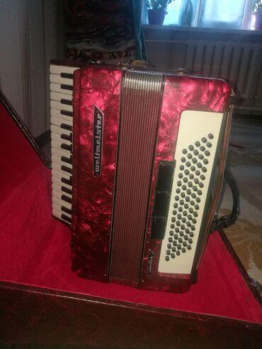 аккордеон-weltmeister в Кыргызстан: Продаю аккордеон Вальтмейстер(Weltmeister) Стелла(Stella) в красном