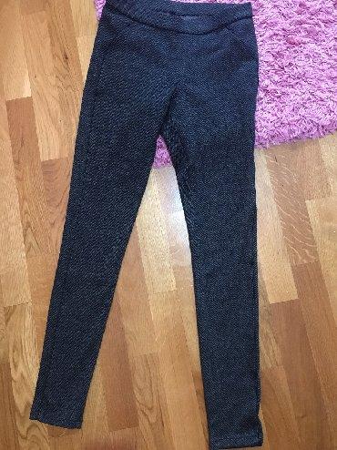 Pantalone uz telo - Srbija: Pantalone -helanke super stoje uz telo xs velicina mada imaju elastina