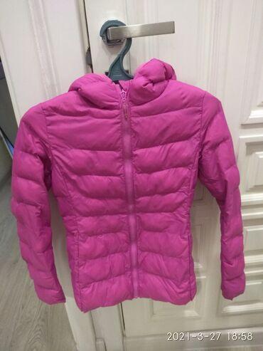 куртки uniqlo в Кыргызстан: Детская куртка размер 150