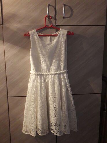 Bela haljina za devojčice nema oštećnja cena 1000 dinara (može