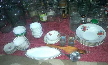 тарелка блюдце в Кыргызстан: Больгие тарелки по 50сом, маленькие блюдца 10 сом. 3 литровые банки
