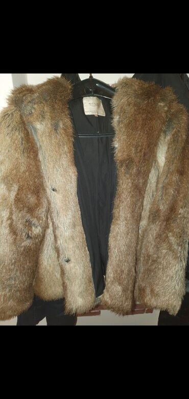 Nova bunda kupljena u Zari. Vel S ali je siri model odgovara i M vel