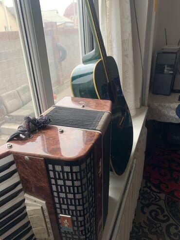 гитары бишкек in Кыргызстан   АВТОЗАПЧАСТИ: Срочно продаю Аккордеон и Гитара оба в хорошем состоянии дам за 13000
