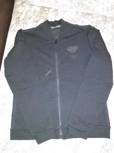 Продаю спортивный костюм.почти новый один раз одеть.размер L в Бишкек
