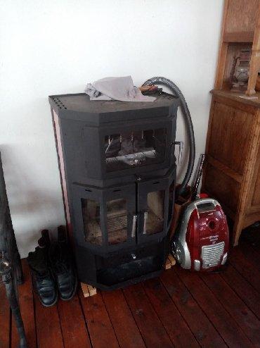 Ostalo za kuću | Kraljevo: Pec na cvrsto gorivo, kupljena pre godinu dana i koriscena samo mesec