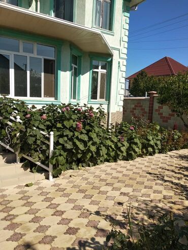 ванная комната в Кыргызстан: Продам Дом 300 кв. м, 8 комнат