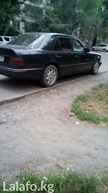 Mercedes-Benz в Кыргызстан: Mercedes-Benz E-Class 3.2 л. 1993 | 245000 км