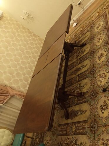 мягкая мебель бу из европы в Кыргызстан: Продается стол обеденный раскладной в классическом стиле подойдет для