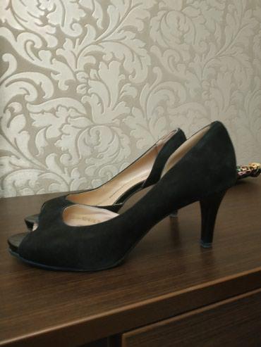 туфли чёрные замшевые в Кыргызстан: Продаю черные замшевые туфли, размер 38.цена 500