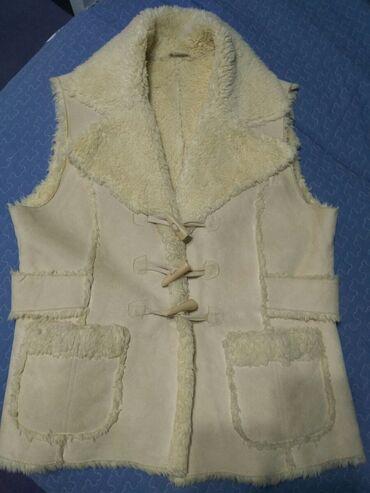 женская платья размер 46 48 в Кыргызстан: Красивый женский жилет, молочного цвета,эко-мех, размер 46-48-50