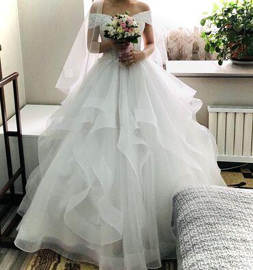 Свадебные платья и аксессуары - Кыргызстан: Продаётся шикарное свадебное платье ! Одевали один раз