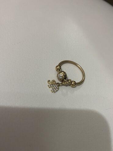 10673 объявлений | АКСЕССУАРЫ: Срочно продаю золотое кольцо с шармиками желтое золото, размер 16,5