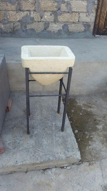 su dasi satilir - Azərbaycan: Su daşı