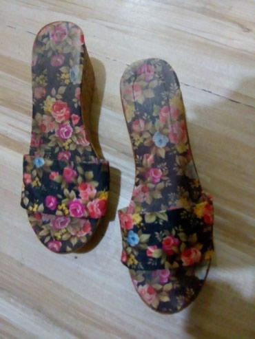 Papuce udobne.niska platforma.vel 37 - Kraljevo - slika 2
