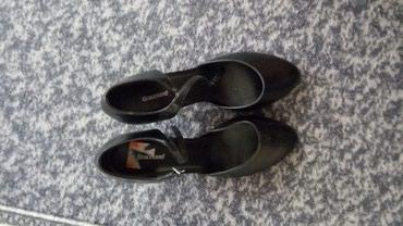 Zenske cipele,salonke ,nijednom nisu obuvane.Br 40.,crne - Pancevo