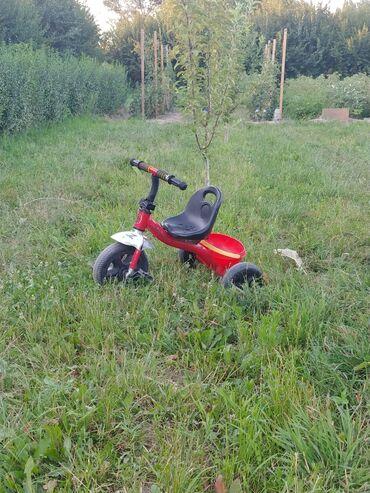 Детский мир - Кызыл-Туу: Продается детский велосипед трехколесный. Состояние хорошее. Отдам за