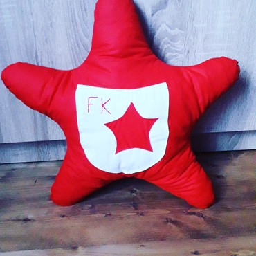 Dečiji nameštaj   Srbija: Jastuk crvena zvezda,100% pamuk,antialergijsko punjenje