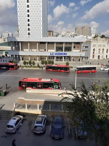 сдам дом на берегу моря баку азербайджан - Azərbaycan: Сдаю суточно Г Баку 28 .Май 3/3 с лифтом .5спален .зал. 2сан узла
