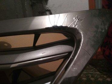 левая фара и решетка родиатора на решотке не значительное царапиной на в Кара-Балта