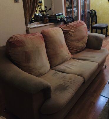 Большой раскладной диван 190*105 см, имеются потертости