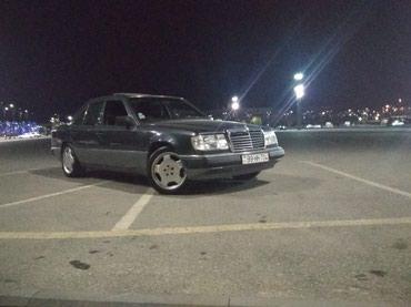 Bakı şəhərində Mercedes-Benz 220 1993