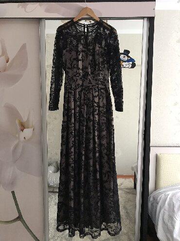 Платье вечернее, очень красивое одевалось 1 раз, размер S-М(38)
