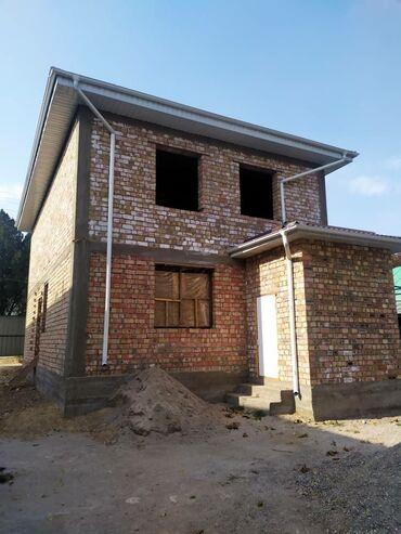 Дома - Бишкек: Продам Дом 130 кв. м, 4 комнаты