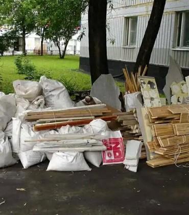 Вывоз строительного мусора обьемом от 10 мешков от подъезда. Цена от