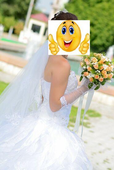Свадебное платье.Сдаю 7000сом или продаю 18000.свадебное платье с
