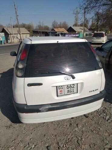 Toyota Raum 1.5 л. 2000