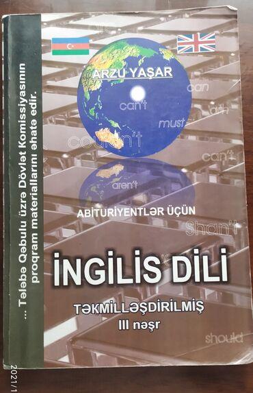 Hər ikisi səliqəli vəziyyətdədi, open formunun içi karandaşla yazılıb