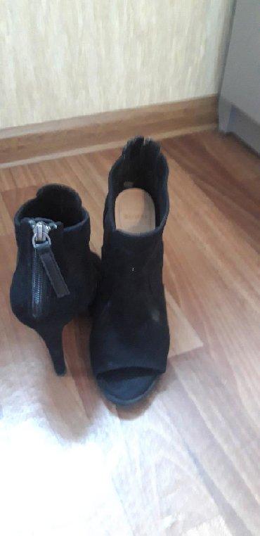 ботильоны-37-размера в Кыргызстан: Женская обувь Bershka очень стильно смотрятся на ножкахразмер 37