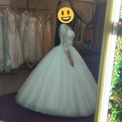 платья корсеты в Кыргызстан: Продам свадебное платье. Корсетное. Размер 42 (возможно и на 44)