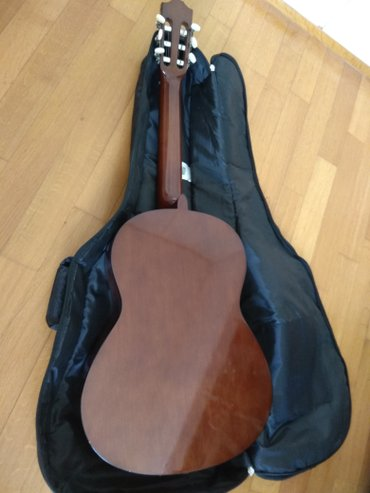 Classical guitar Yamaha C40 with Ritter case σε Αθήνα