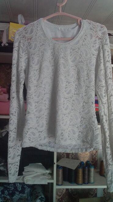 Женская одежда - Джал: Новая. Блузка (гепюр стрейч ) размер 44; 46;48. За 300 сом