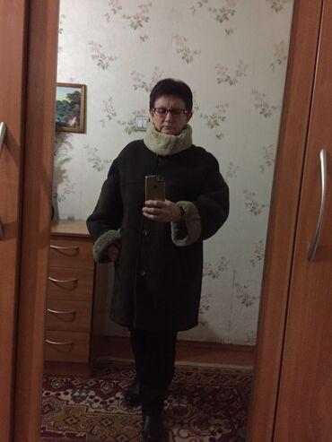 Женская одежда - Бишкек: Продаю женскую дубленку натуральная овчина размер 52