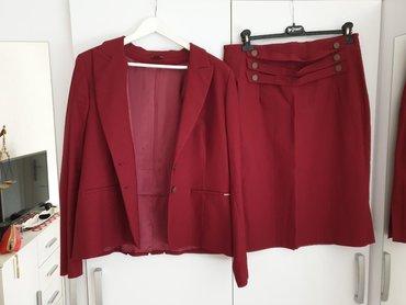 Komplet suknja - Srbija: Nov PS komplet, suknja i sako. Boja bordo. Veličina 44. Cena kompleta