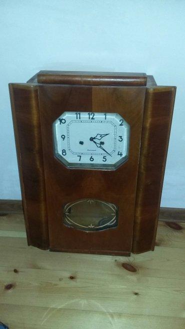 Gəncə şəhərində 1965 ci ilin mexaniki saatidir dawsiz iwleyir