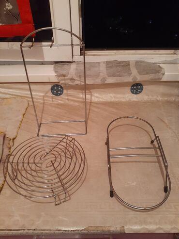 отдам даром обмен в Кыргызстан: Подставки и вешалка для поварешек обменяю на 3 кг порошка