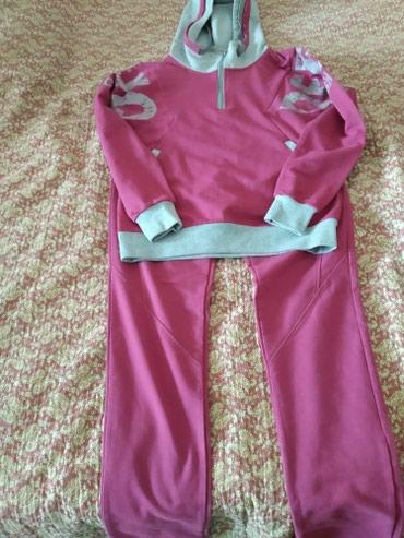 Продаю костюм женский ХБ очень удобный,размер 48 длина штанов 100см в Бишкек