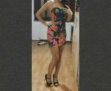 H&m cvetna haljinica. Dobijena na poklon i jednom nosena. Prekvali
