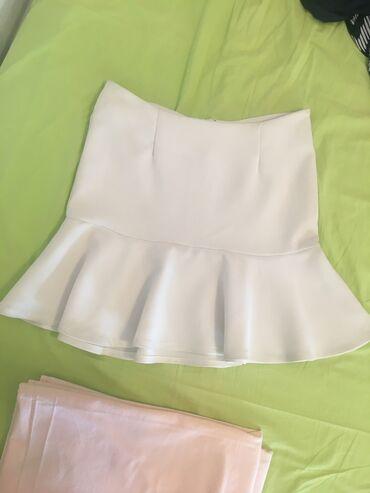 Ψηλόμεση λευκή φούστα αφόρετη