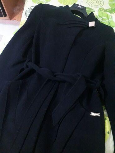 Poklon tasna+Teget kaput, uvoz iz Turske, malo koriscen, bez ikakvog