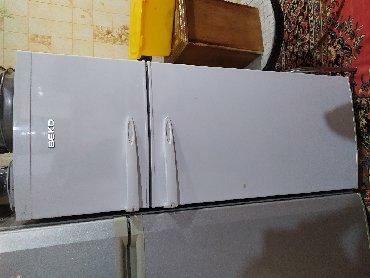 Электроника в Шахбуз: Б/у Белый холодильник Beko