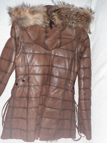 Nova kozna jakna S vel skidaju se rukavi pa moze kao prsluk da