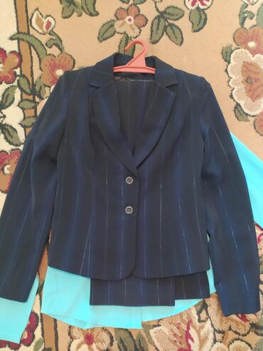 Женская одежда в Кызыл-Кия: Кызыл-Кия, новый костюм, брюки с пиджаком, размер 44-46
