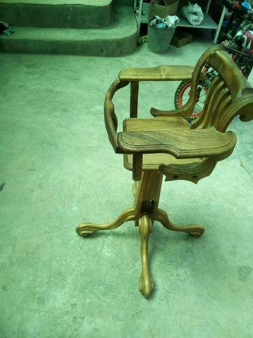 детский деревянный стул купить в Кыргызстан: Продаю детский стульчик для кормления. Натуральное дерево - орех